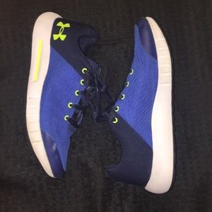 🌍Under Armour Sneakers🌍